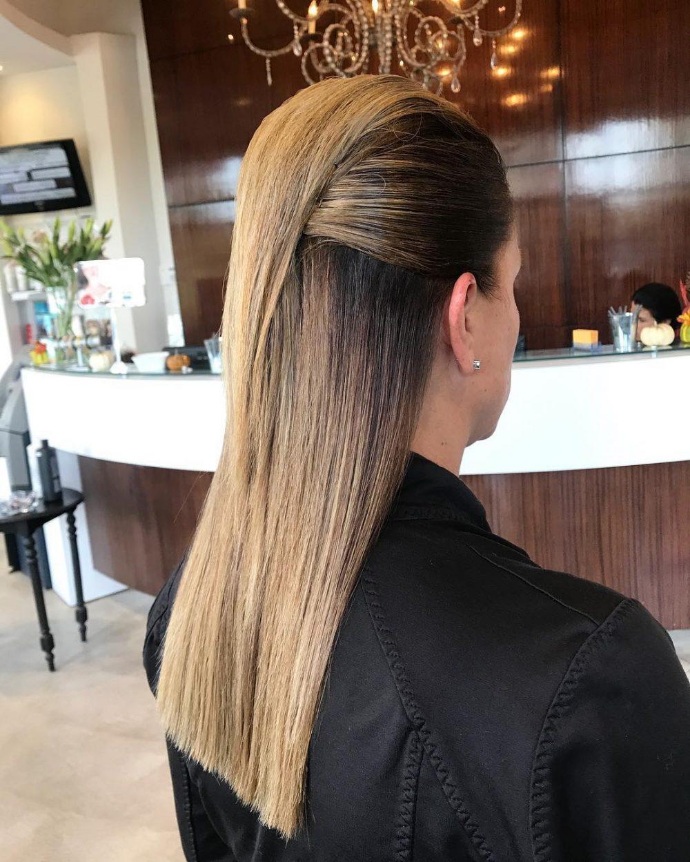 Элегантная прическа на гладких волосах
