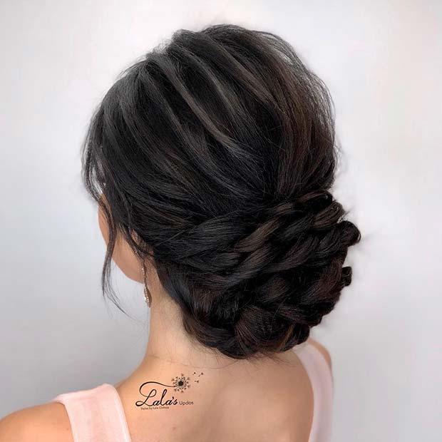 Красивая прическа с собранными волосами