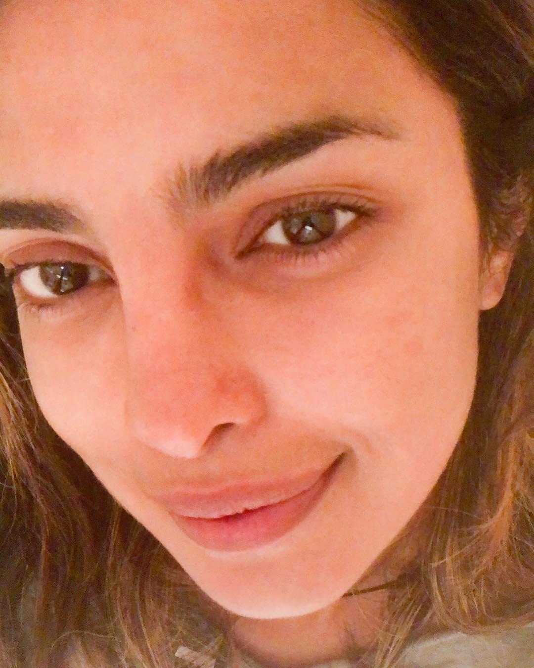 Приянка Чопра без макияжа