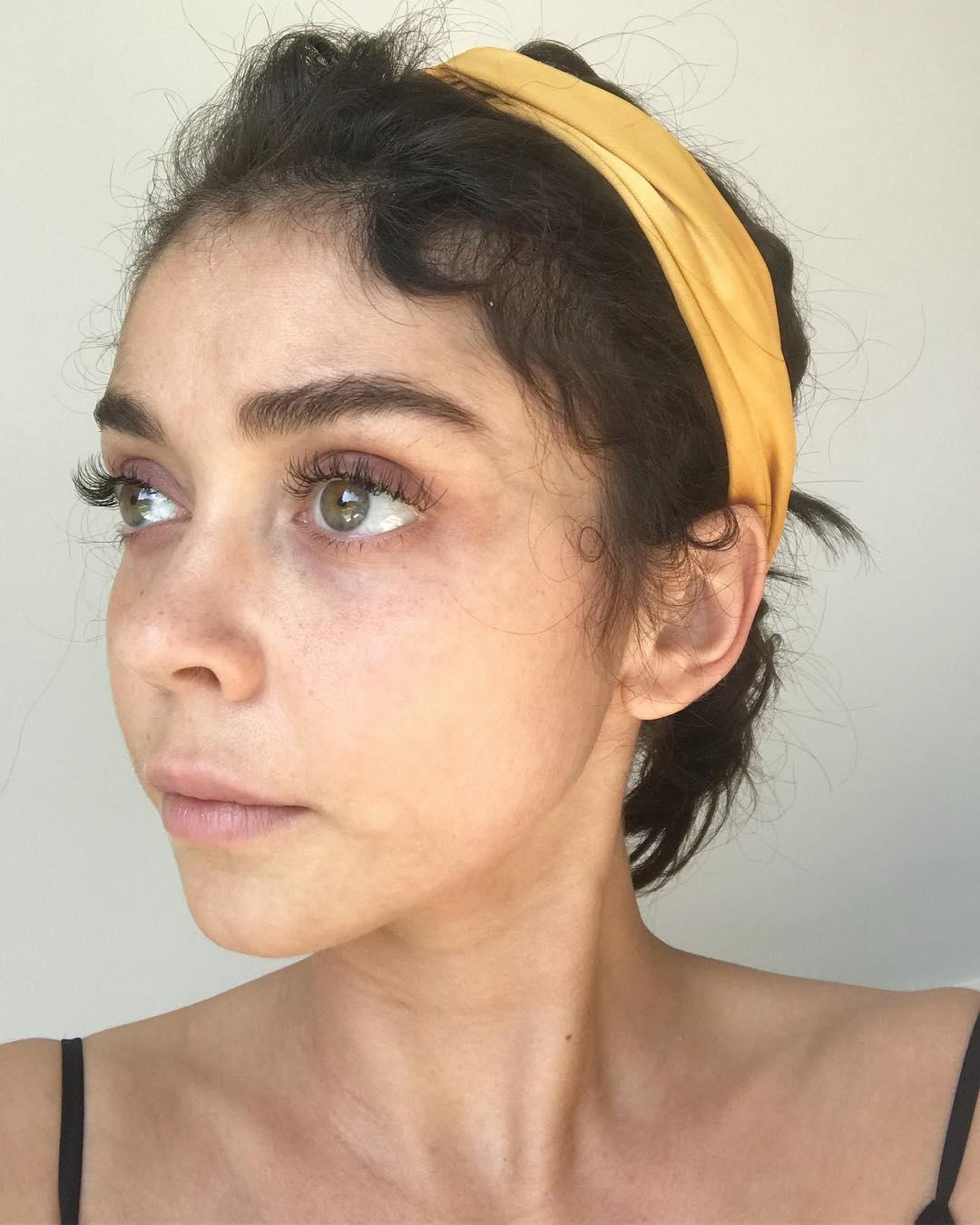 Сара Хайленд без макияжа