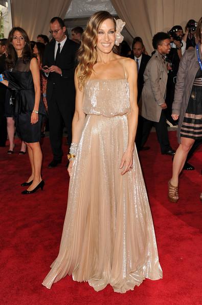 Сара Джессика Паркер в нежном отейльном платье в пол