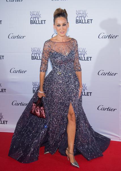 Сара Джессика Паркер в вечернем платье со стразами и серебристые босоножки