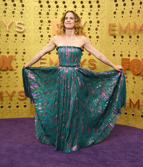 Анна Кламски в платье J Mendel, во время 71 церемонии вручения премии Эмми