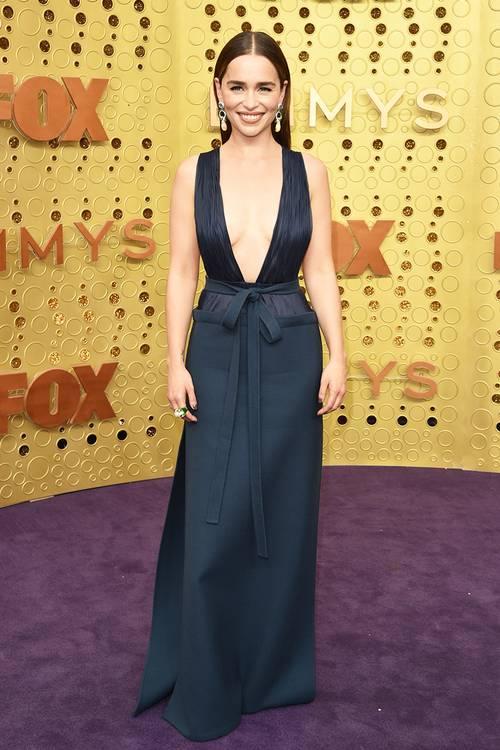 Эмилия Кларк в платье Valentino, во время 71 церемонии вручения премии Эмми