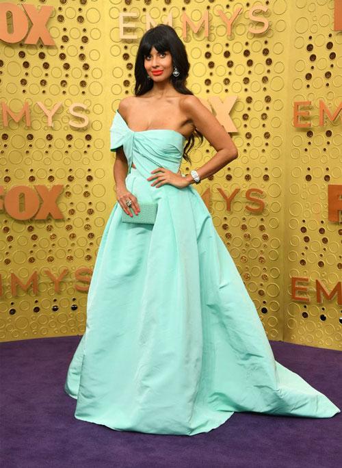 Джамила Джамиль в платье Monique Lhuillier, во время 71 церемонии вручения премии Эмми