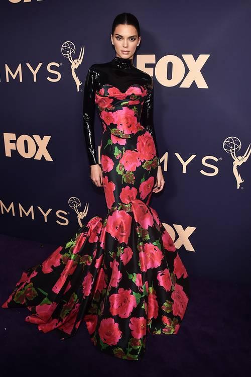 Кендалл Дженнер в платье Richard Quinn, во время 71 церемонии вручения премии Эмми