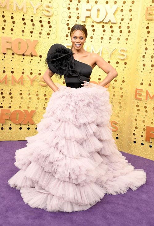 Лаверна Кокс в платье Monsoori, во время 71 церемонии вручения премии Эмми