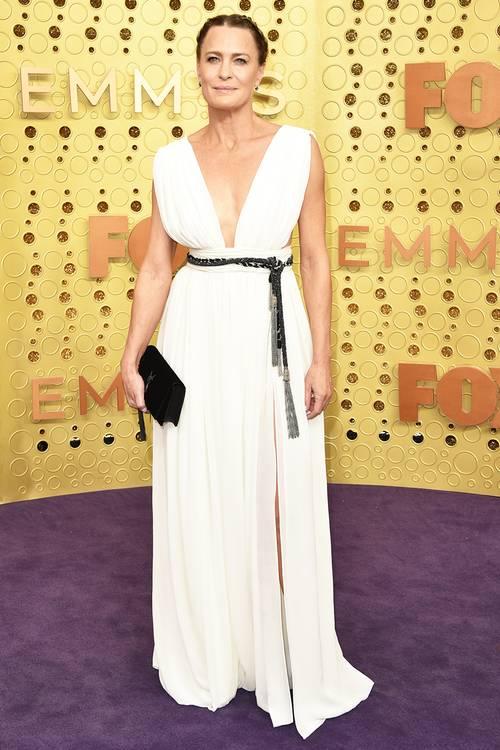 Робин Райт в платье Saint Laurent, во время 71 церемонии вручения премии Эмми