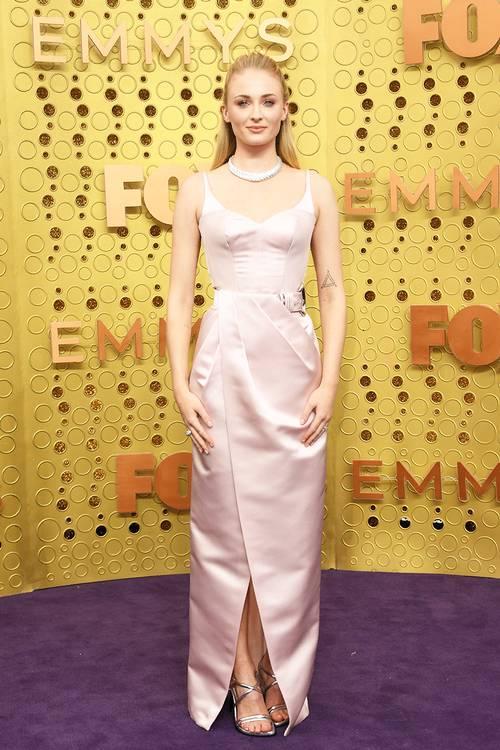 Софи Тёрнер в платье Louis Vuitton, во время 71 церемонии вручения премии Эмми