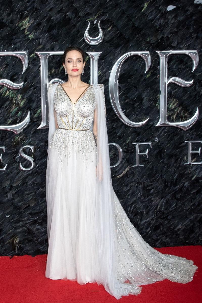 Анджелина Джоли в королевском платье от Ralph & Russo Couture