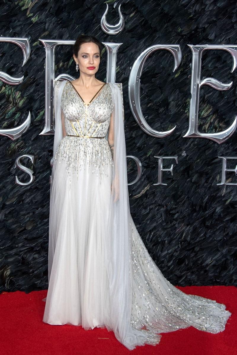 Анджелина Джоли в Лондоне на премьере фильма Малефисента: Владычица тьмы