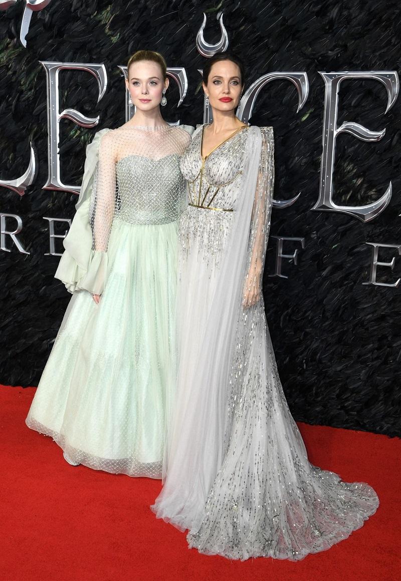 Анджелина Джоли и Эль Фэннинг на премьере фильма Малефисента: Владычица тьмы