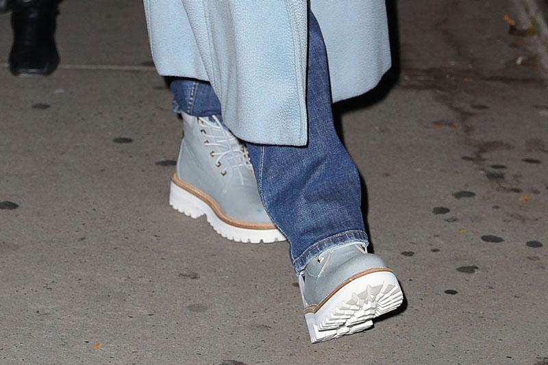 Дженнифер Лопес в массивных ботинках BUSCEMI