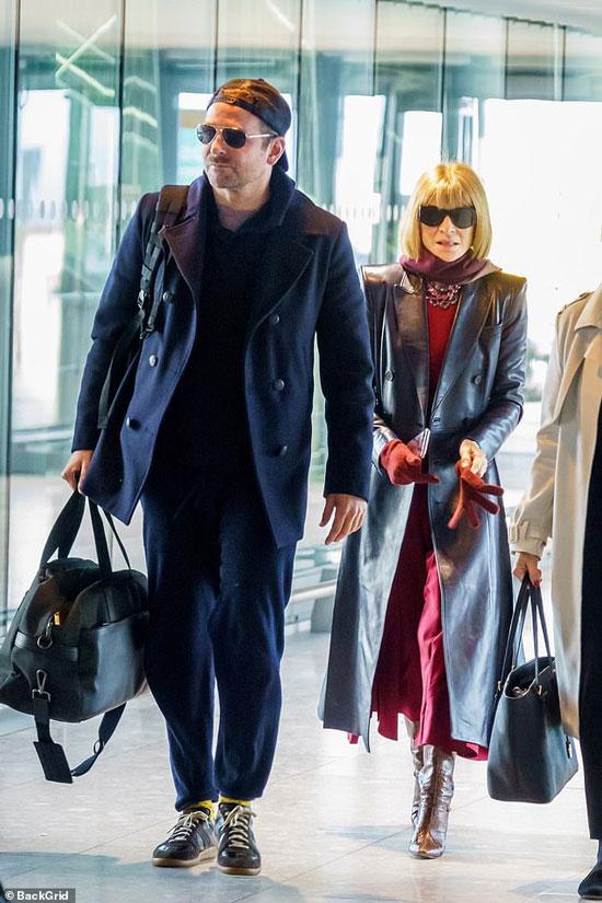 Анна Винтур в кожаном плаще и Бредли Купер в аэропорту