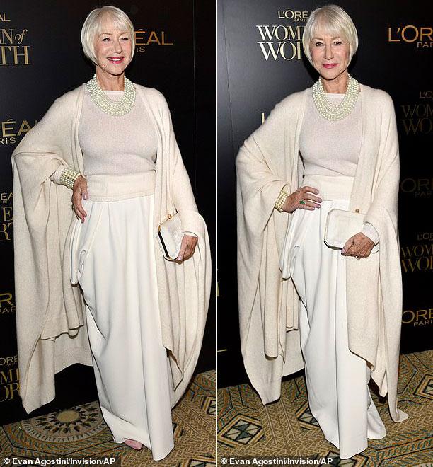 Хелен Миррен в белой шали, юбке и свитере
