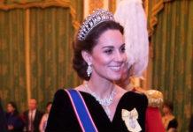 Кейт Миддлтон в темном бархатном платье в пол и бриллиантовой тиаре принцессы Дианы