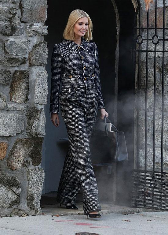 Иванка Трамп в костюме шанель с принтом гусиная лапка