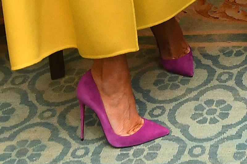 Мелания Трамп в фиолетовых лодочках на шпильке от Christian Louboutin So Kate