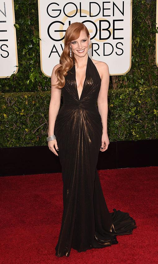 Джессика Честейн в темно коричневом длинном платье
