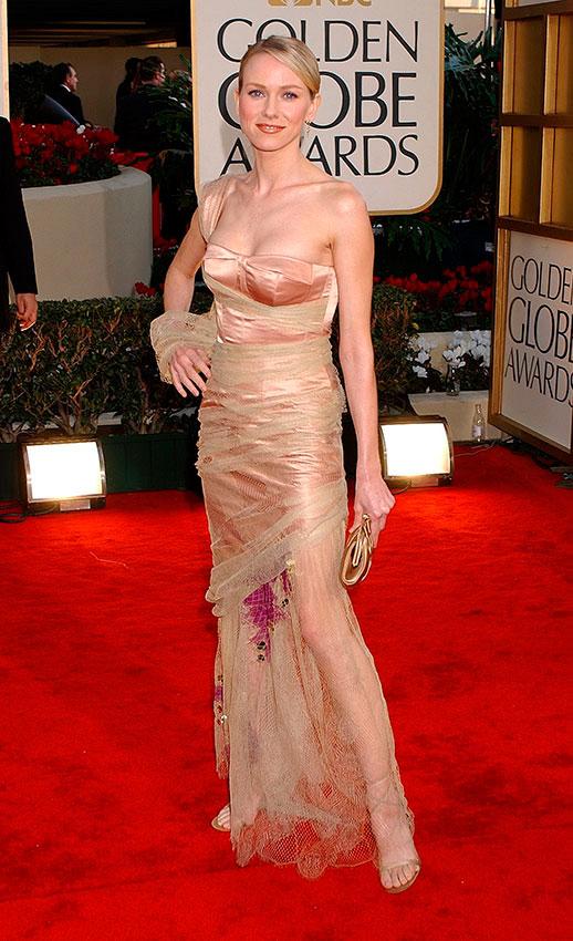 Наоми Уоттс в золотом облегающем платье бюстье