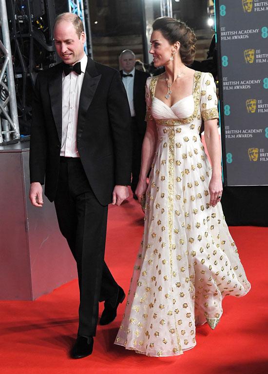 Кейт Миддлтон в бело-золотом платье на церемонии BAFTA 2020