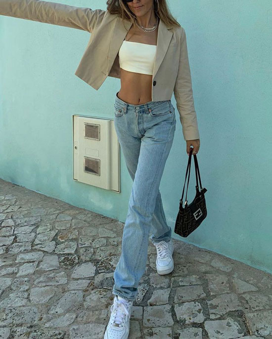 Модные и стильные женские джинсы весной 2020