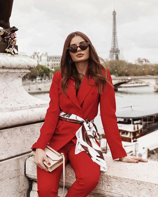 Как модно женщинам носить платок