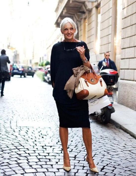 Стильные модели платьев для женщин 50 лет