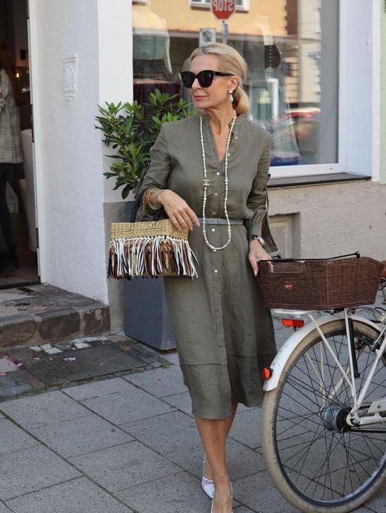 Модные платья для женщин 50 лет