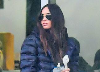 33-летняя Меган Фокс в спортивных брюках, кроссовках и куртке выглядит просто и стильно