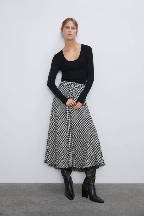 Длинная юбка-трапеция ниже колена
