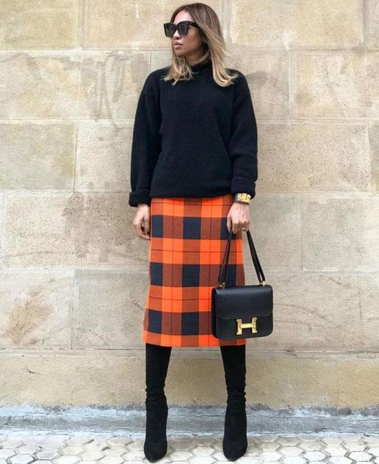 С чем женщинам носить клетчатую юбку
