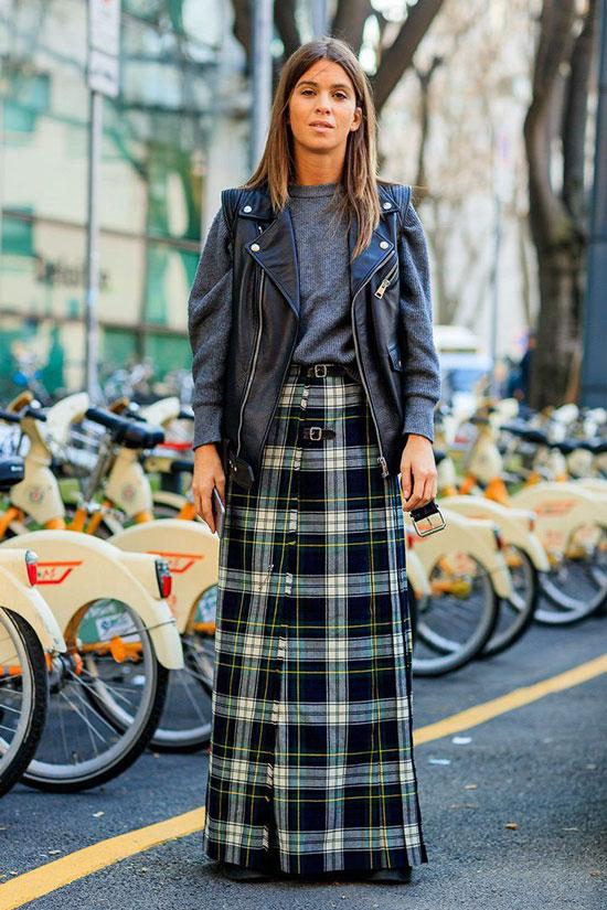 С чем женщинам носить клетчатую юбку весной 2020