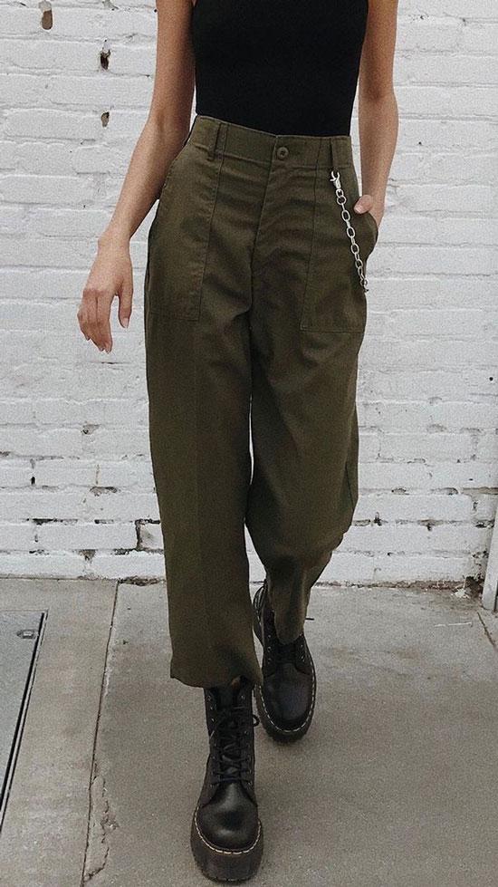 С чем женщинам стильно сочетать зеленые брюки