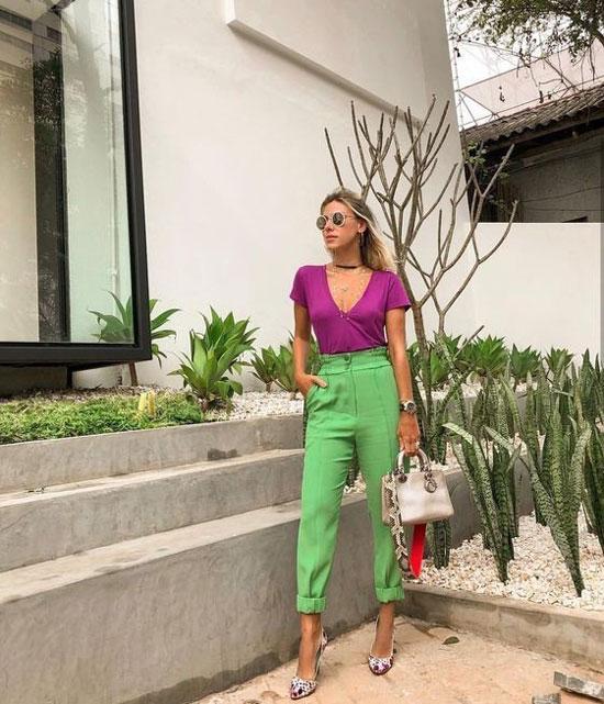 Как женщинам модно носить зеленые брюки