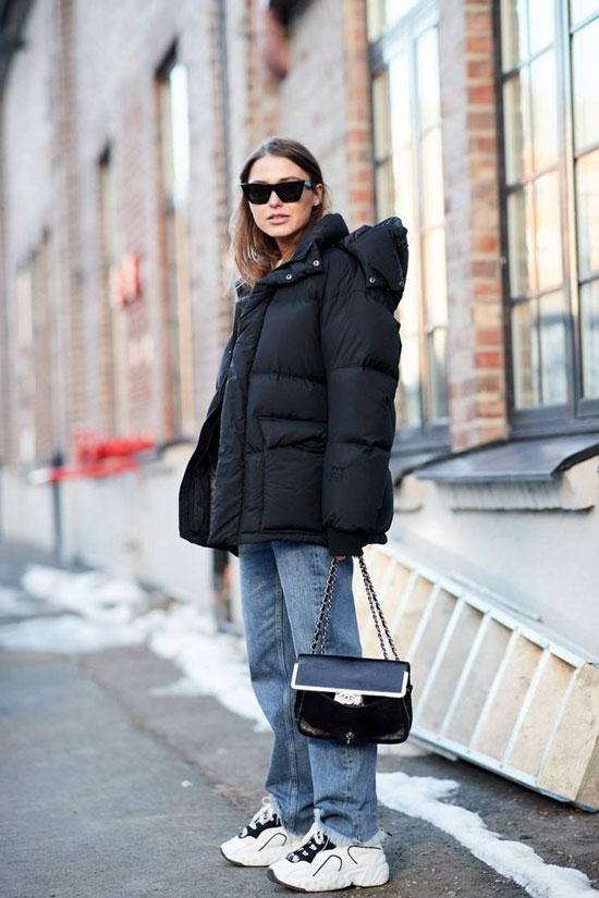 С чем носить женскую черную куртку