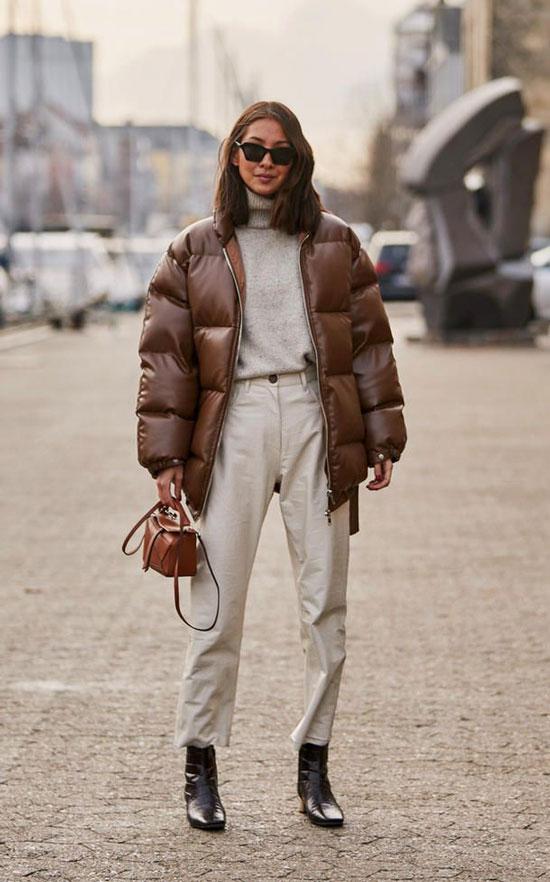 С чем носить коричневую куртку весной 2020