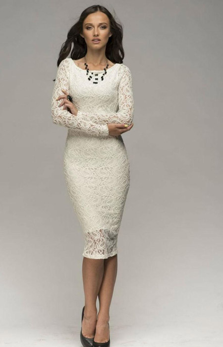 Длинное кружевное платье футляр