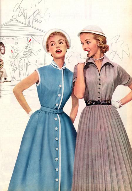Девушки в ретро платьях и шляпках