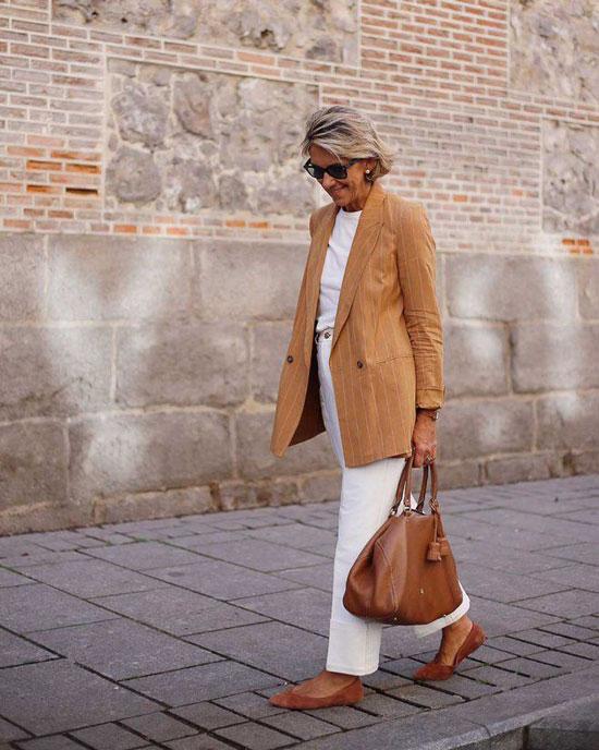 С чем 50-летним женщинам носить жакет летом 2020