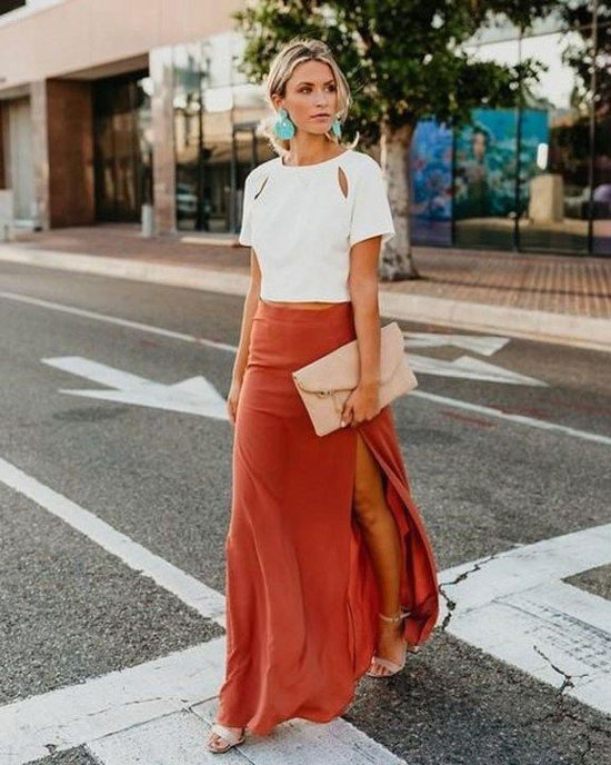 Длинная юбка с разрезом на лето 2020