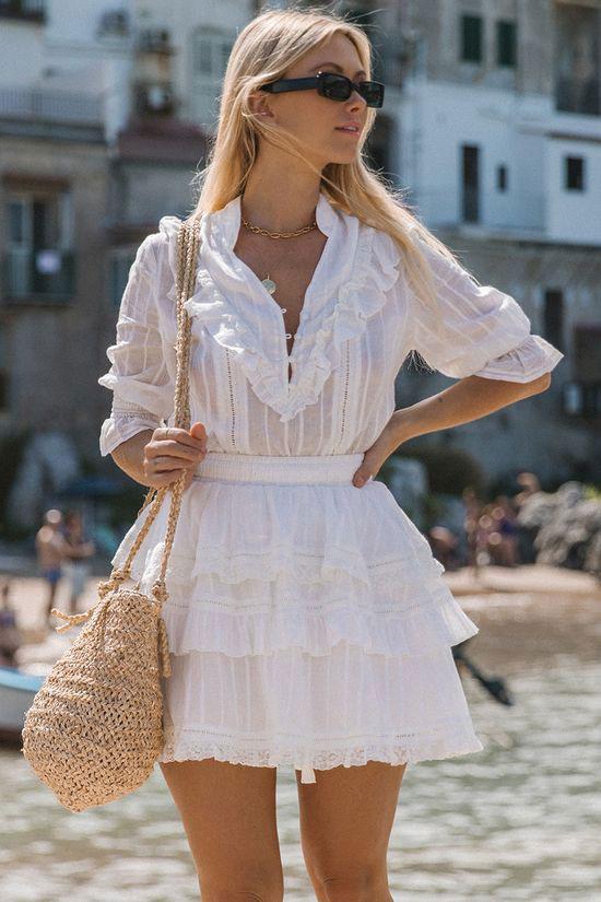 Белое хлопковое платье для курорта на лето 2020