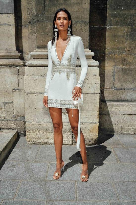 Белое мини-платье на лето 2020