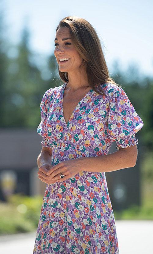 Кейт Миддлтон в цветочном платье с пышными рукавами