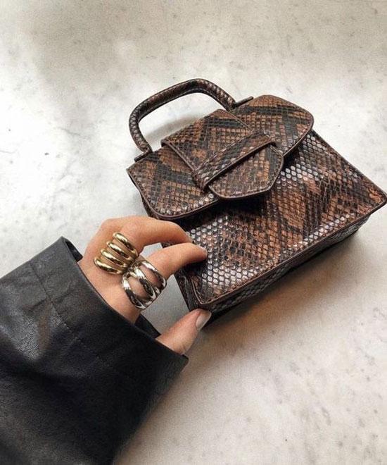 Маленькая сумка с принтом под рептилию