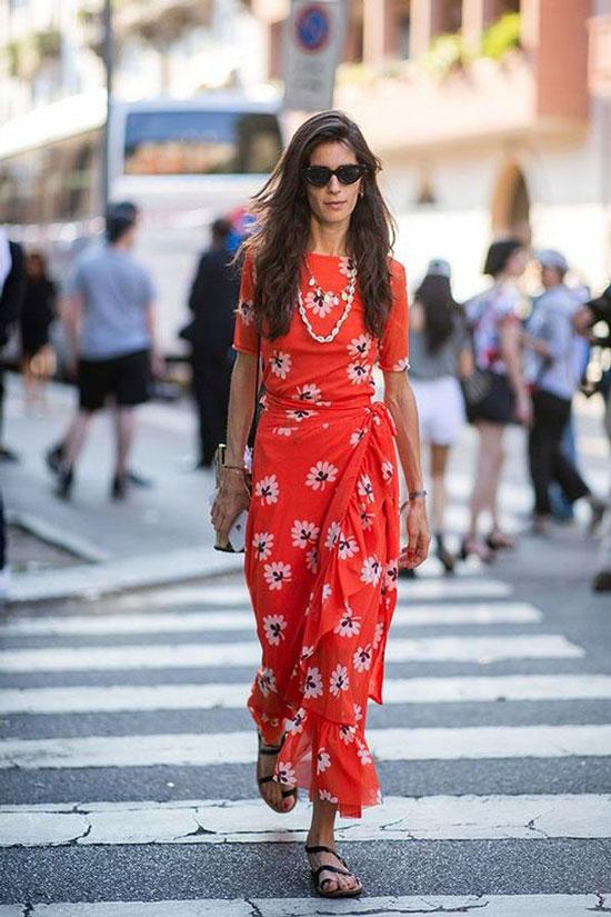 Платье-миди с сандалиями на тонких ремешках