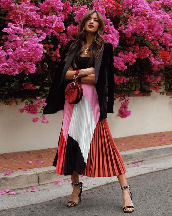 С чем носить плиссированную юбку летом 2020