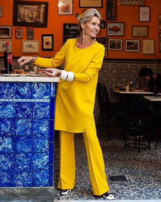 Стильная и модная туника для женщины 50 лет