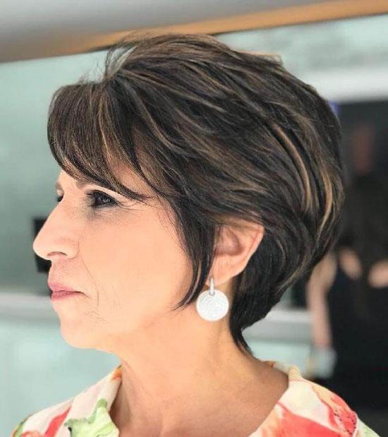 Модные укладки на короткие волосы для женщин 50 лет