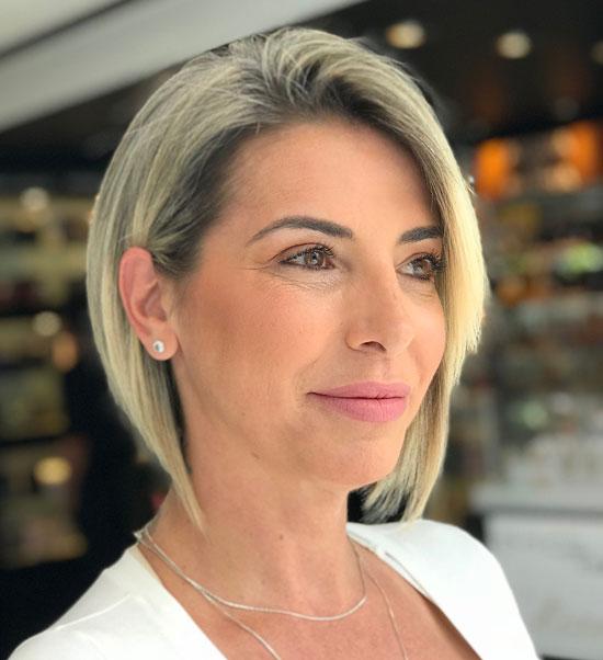 Модные укладки на средние волосы для женщин 50 лет
